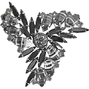 Silver-Tone Vintage Rhinestone Brooch in Black