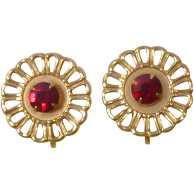 Red Rhinestone Gold Tone Setting Small Screw On Earring Set