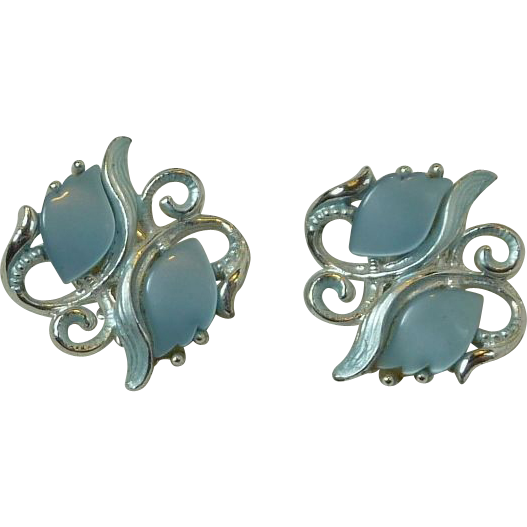 Silver Tone Thermal Plastic Light Blue Clip On Earrings
