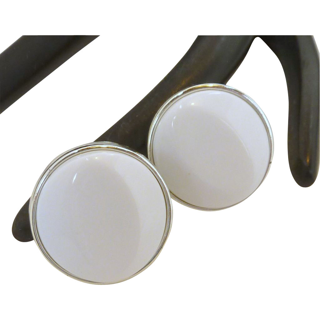 White Round Silver Tone Clip On Earrings