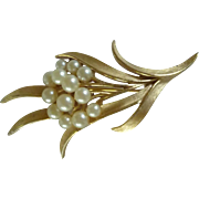 Trifari Faux Pearl Leaf Design Pin / Brooch