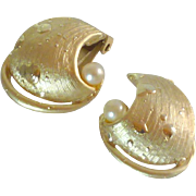 Gold Tone Swirl Faux Pearl Clip On Earrings