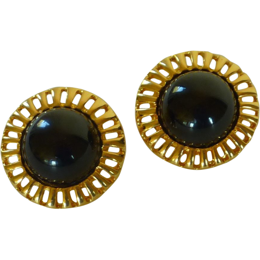 Gold Tone Black Center Round Clip On Earrings