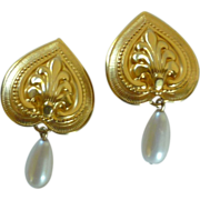 Gold Tone Heart / Faux Pearl Dangle Clip On Earrings