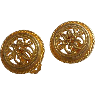 Ellen Design Gold Tone Medallion Clip On Earrings