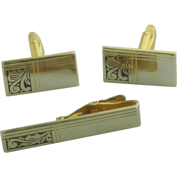 Foster Scrollwork Design Gold Tone Cuff Links & Tie Clip