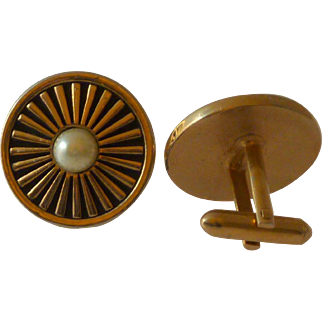 Round Gold Tone with Faux Pearl Cuff Links Cufflinks