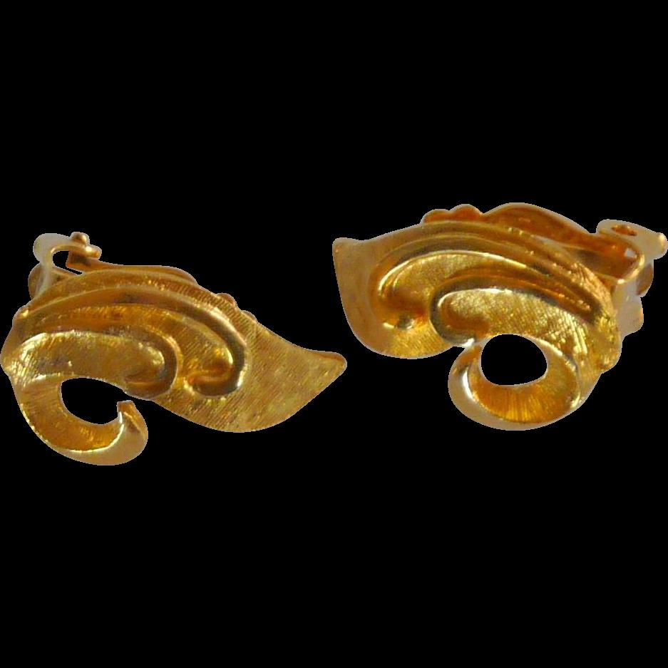 Gold Tone Small Leaf Swirl Clip On Earrings