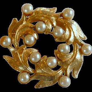 Swirl Round Leaf Faux Pearl Pin Brooch