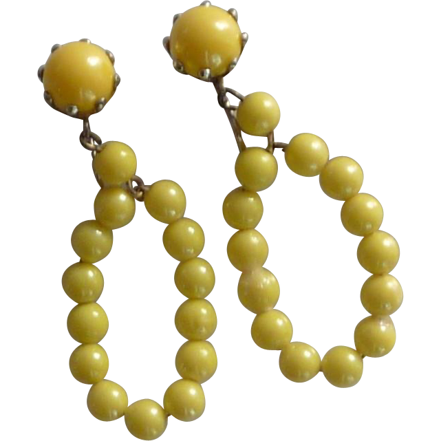 1950 Yellow Loop Bead Clip On Earrings