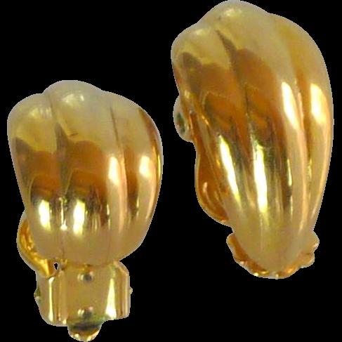 Gold Tone Small Swirl Clip On Earrings