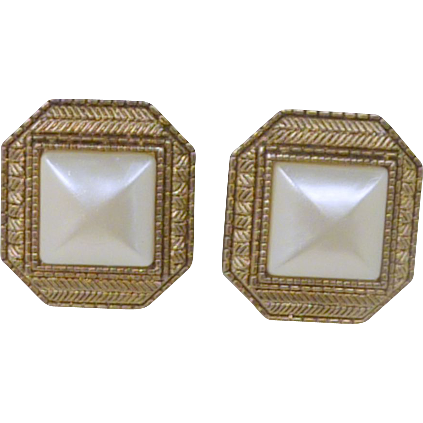 1990's Square Gold Toned Clip On Earrings with Faux Pearl Center