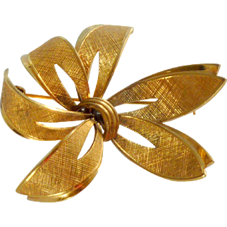 Gold Tone Ribbon Bow Flower Pin