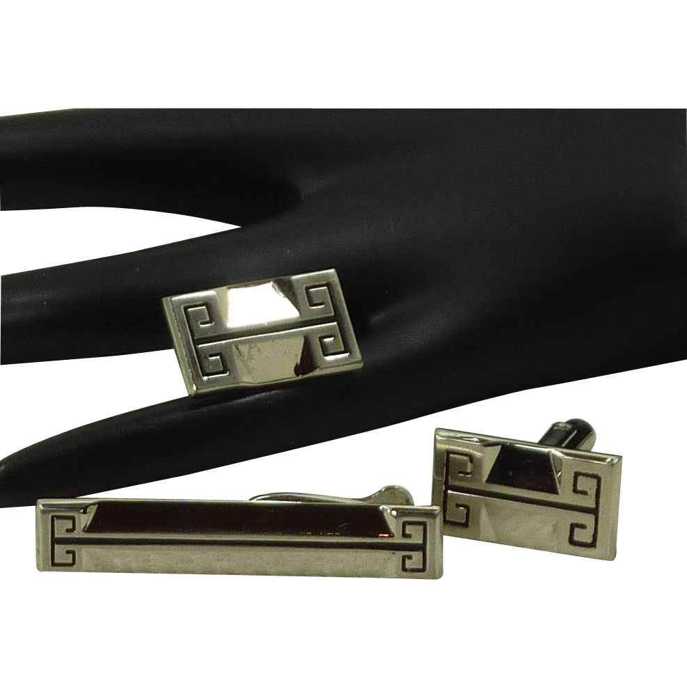 Hickok Geometric Silver Tone Cufflinks Cuff Links & Tie Bar