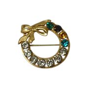 Beautiful Signed Rhinestone Round Pin 12K Gold Filled