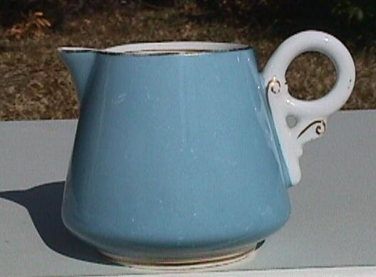 Royal Worcester Porcelain small Cream Pitcher 1911 made expressly for BIGELOW, KENNARD Co (signed and dated)