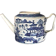 c1790s Chinese Nanking Blue and White Riverscape Export Porcelain Teapot (drum shape, Leeds-style handles)