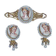 Stunning FLORENZA LIMOGES Cameo Collar Brooch and Earrings