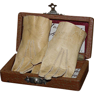 Pair of Antique leather Bebe gloves