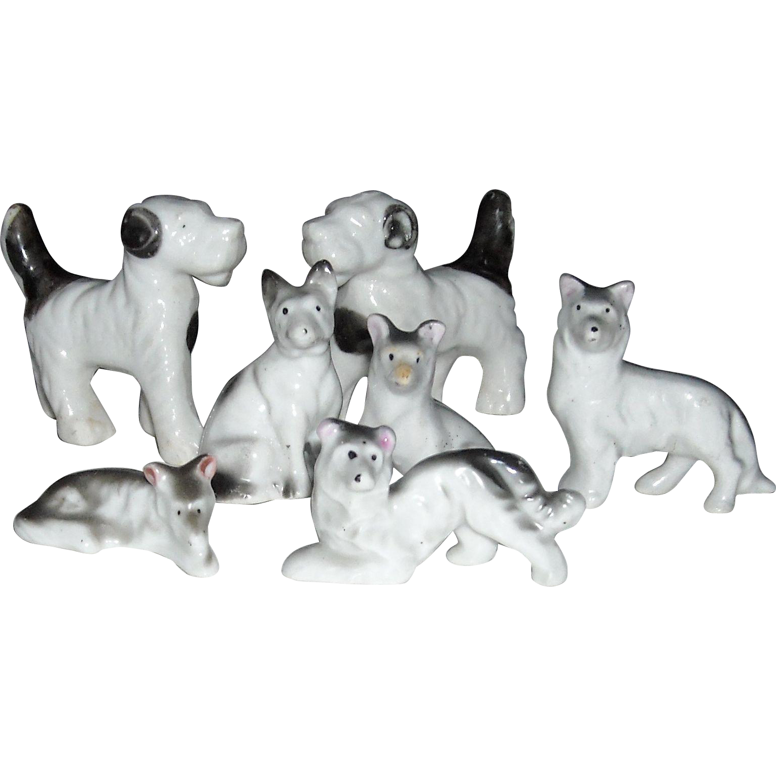 Porcelain Dog Grouping of 7 Dogs