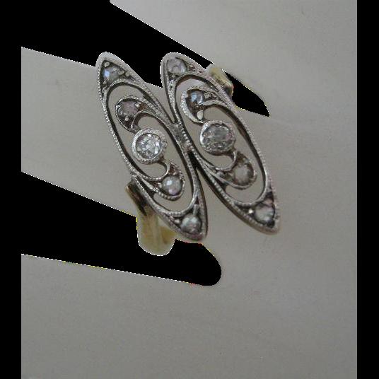 Very Fine 14 Karat Gold Ring with Diamonds