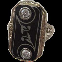 Art Deco Ring with Diamonds