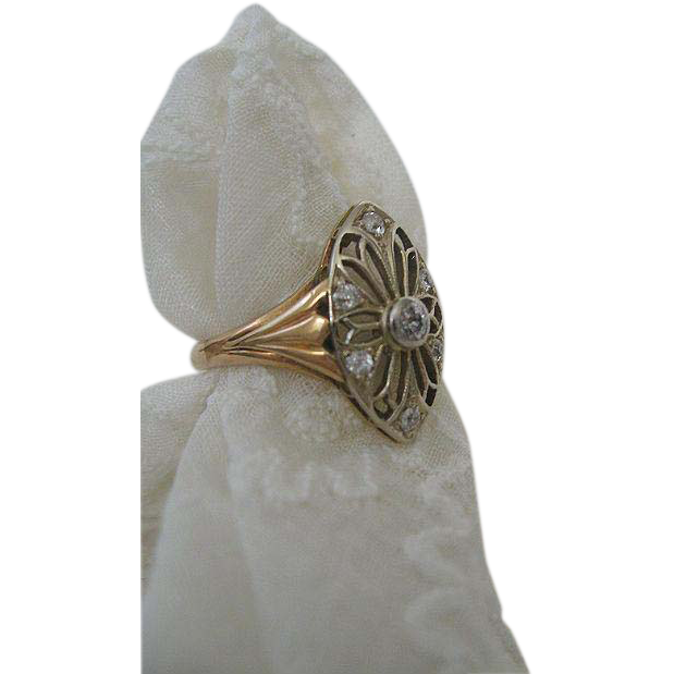 Art Deco Classic Diamond and 14 Karat Gold Ring
