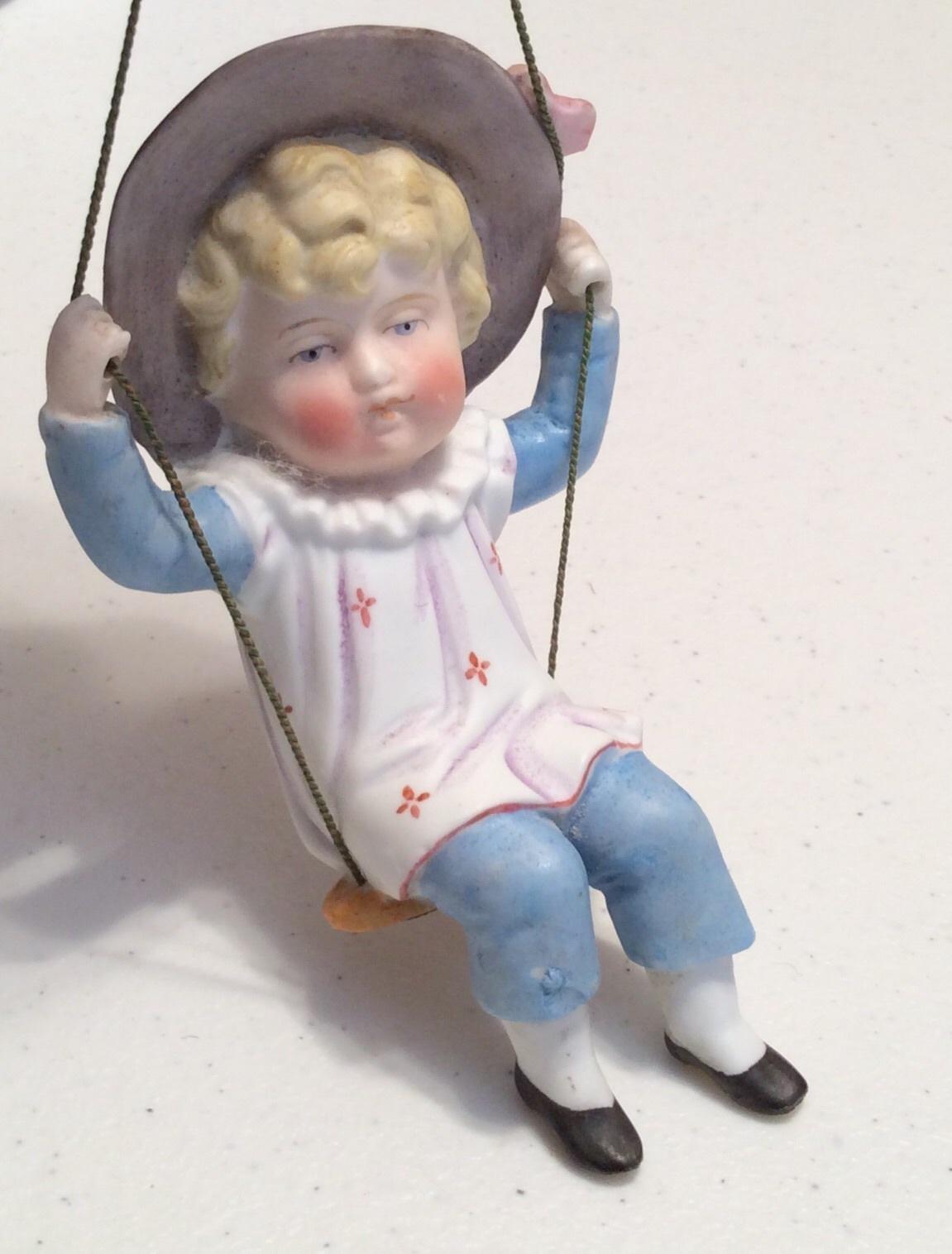 doll swinger