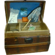 Very Nice Antique Hump-Back Doll Trunk, Leather Handles, Paper Intact, Wood Slats, Tray and Lithograph, Accessories!!