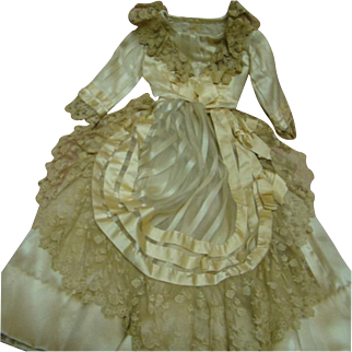Beautiful Hand-stitched Ecru Silk Satin and French Lace Two-piece Ensemble for 22-23 In. French Fashion Doll, Bustle Back, Silk Ribbon Trim