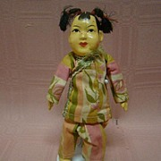 Composition and Cloth Asian Girl with Original Silk Clothes