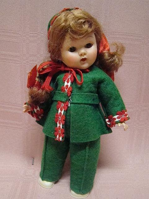 """Vogue Ptd Lash Red-Head Ginny 1953 """"Gadabout Series"""" Skier"""