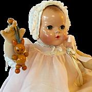 """Beauty -- 20"""" Effanbee Dy-Dee Louise Baby MOLD 2 -- w/ Original Layette"""