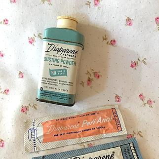 Effanbee Dy-Dee Doll Diaperene Powder Set