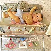 Vintage Effanbee Dy-Dee Baby BATHINETTE with SCALE -- Bath Time Fun !