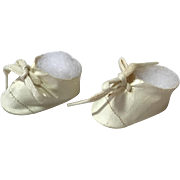 """MINT * Original White Tiny Tears Oilcloth Shoes -- 13 - 14"""" Doll"""