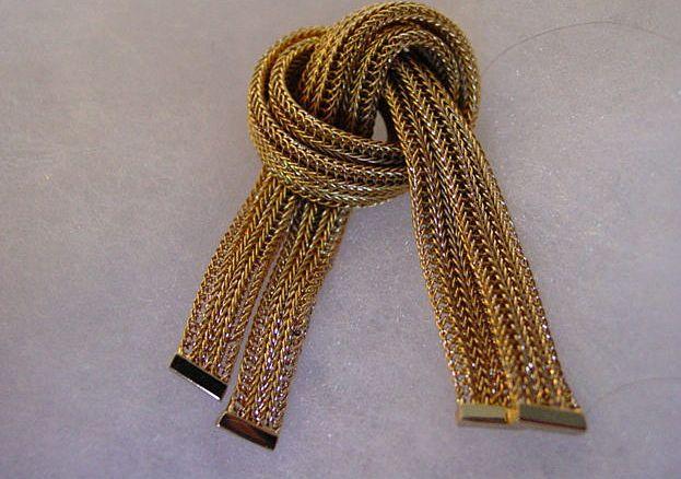 Crosse Mesh GoldTone Metal Knot Pin w Tazzel