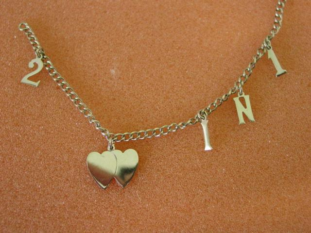 Vintage  2 Hearts in 1 Sterling Silver Charm Bracelet w Original Jewel Box