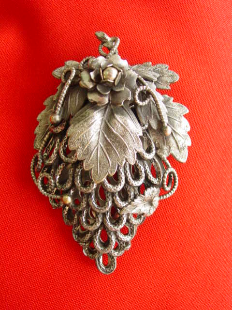 Huge Vintage Victorian Style Ornate Filigreed Metal w Leaf Motif Dress Clip