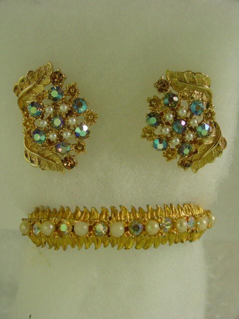 Vintage Aurora Borealis & Faux Pearl Clamper Bracelet Demi Parure