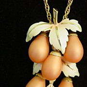 Dangle Bunch of Grapes Necklace