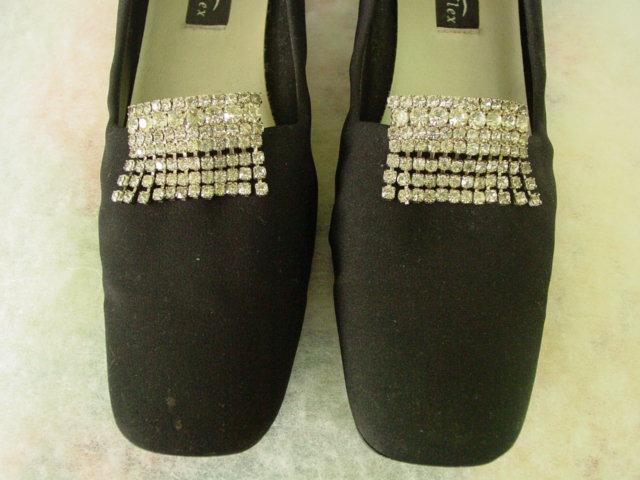 Vintage Pair of Dangle Rhinestones Shoe Clips