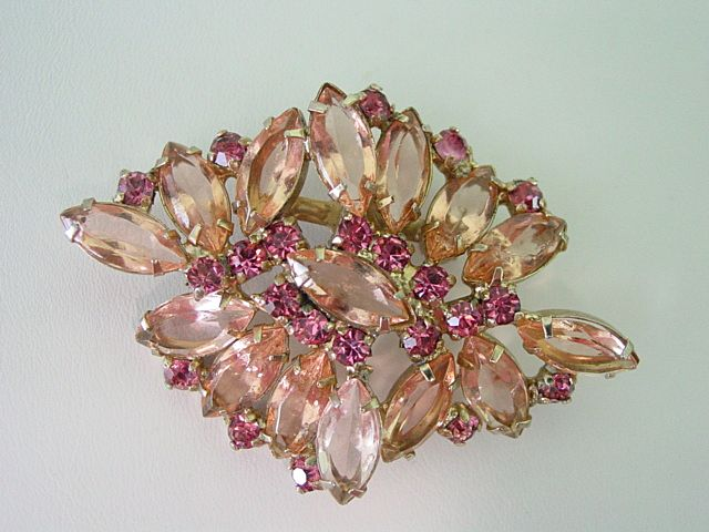 Open Back Pale Pink w Dark Pink Rhinestone Layered Pin
