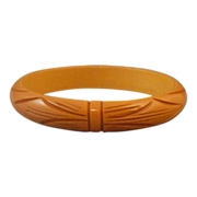 Vintage Bakelite Deeply Carved Bangle Bracelet