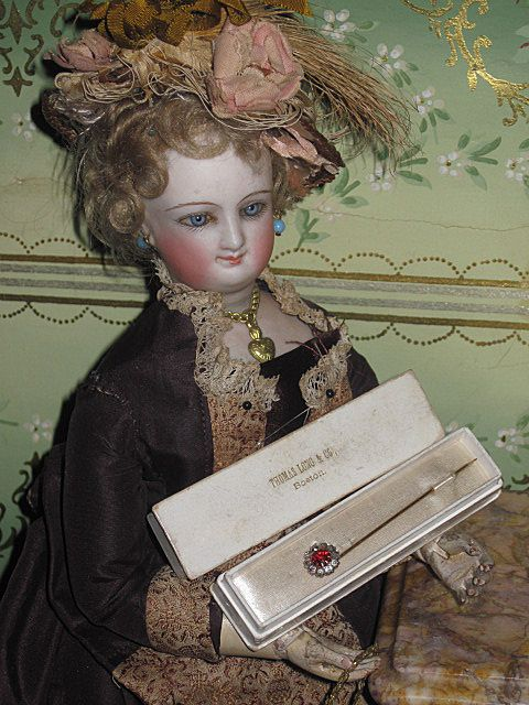 EXQUISITE Boxed Miniature Victorian Costume Paste Stick Pin!