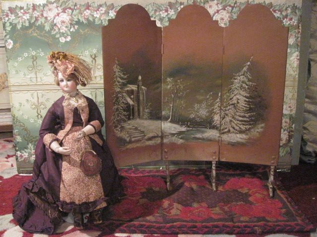 Sale! MAGNIFICENT Antique French Miniature Hand Painted Enamel Doll Screen!