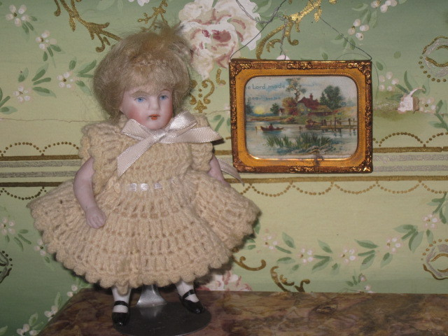 CHARMING Victorian Miniature Dollhouse Ormolu Brass Picture Frame with Lithograph!