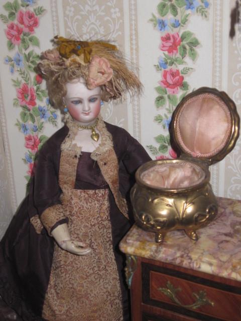 EXQUISITE Miniature Art Nouveau Gilded Metal Trinket Box!