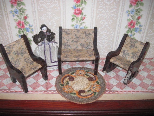 CHARMING Vintage Miniature 3 Piece Parlor Dollhouse Furniture Set