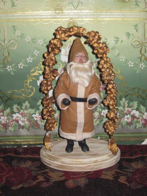 CHARMING Old World Style O-O-A-K Artist Santa!